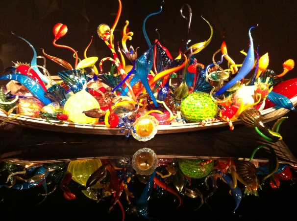 Chihuly: colors and magic in the impossibility of these glass angles.